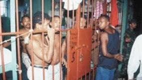Hacinamiento  de los internos  se ha constituido en un problema.