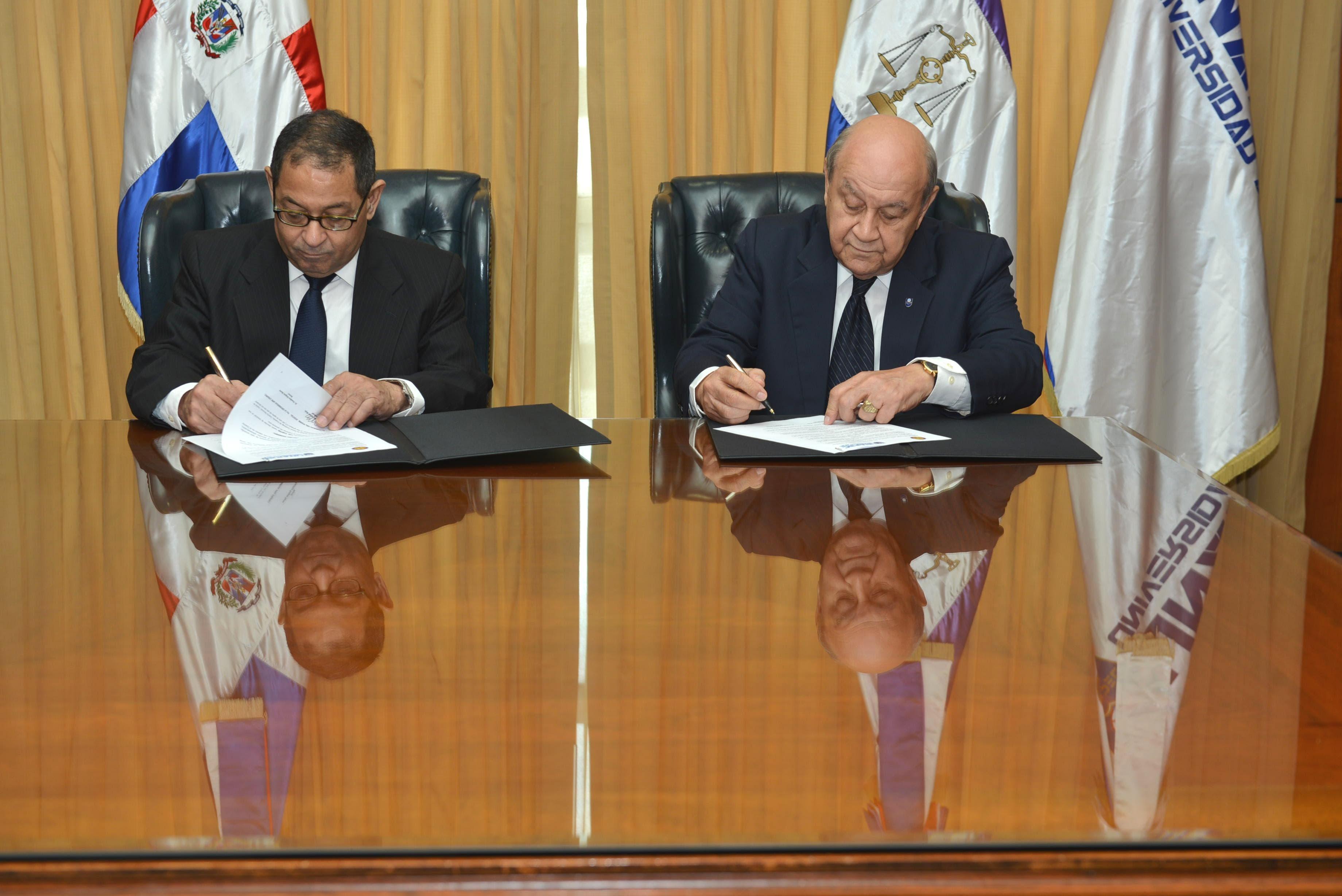 Poder Judicial y Universidad APEC firman acuerdo de cooperación interinstitucional