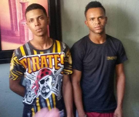 Apresan dos jóvenes que atracaban ciudadanos con pistola de juguete en Puerto Plata