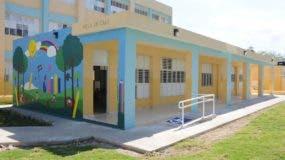 danilo-medina-entrega-centro-educativo-con-21-nuevas-aulas-en-el-barrio-los-molina-san-cristobal-noticias-sc