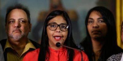 Delcy Rodríguez también ha sido canciller y ministra durante la Administración de Maduro y sustituirá a Tareck el Aissami.