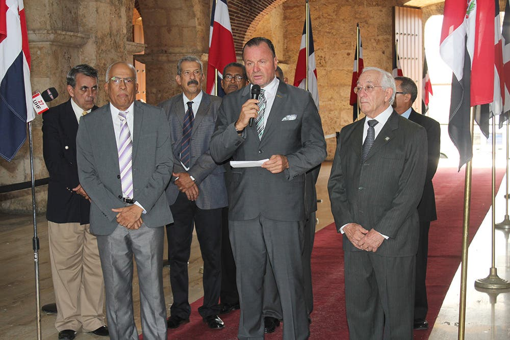 Los miembros de la ACRD, Fernando Sánchez Martínez, Juan González Acostas,  Celedonio Jiménez,  Alejandro Pichardo, entre otros.
