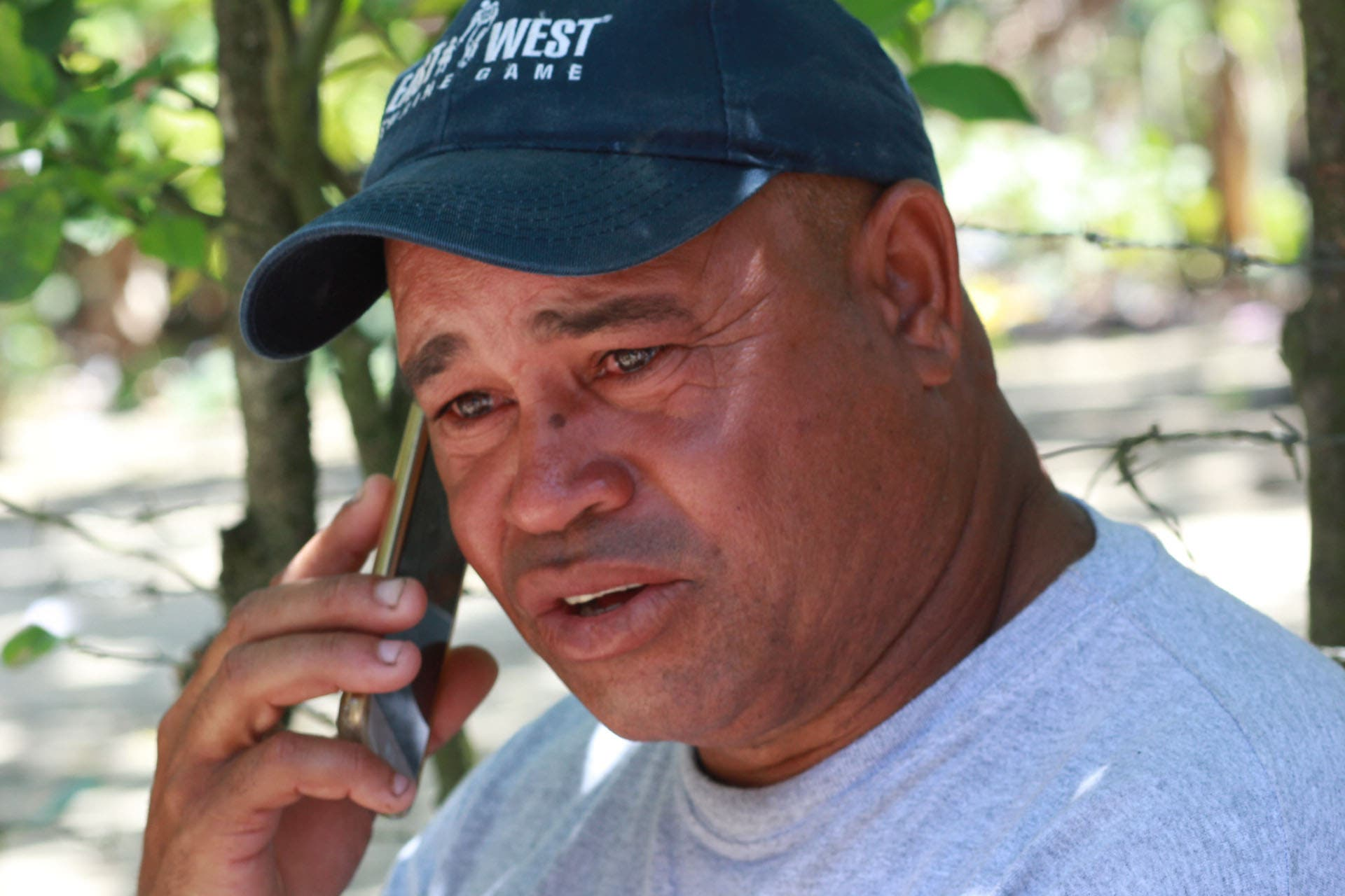 VIDEO- Padre de Emely se presenta a la PN dice lo persiguen