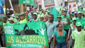 Sobeida José denunció que Junior de los Santos la emplazó de una forma agresiva y en público a presentar pruebas de las denuncias de corrupción que los activistas verdes de Los Alcarrizos incluyeron en su manifiesto.