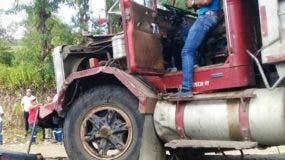 siguen-los-accidentes-en-puerto-plata-chocaan-dos-camiones-en-maimon-ii