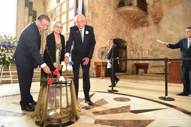 Instituto Duartiano cuestiona restos de Pedro Santana estén en Panteón Nacional