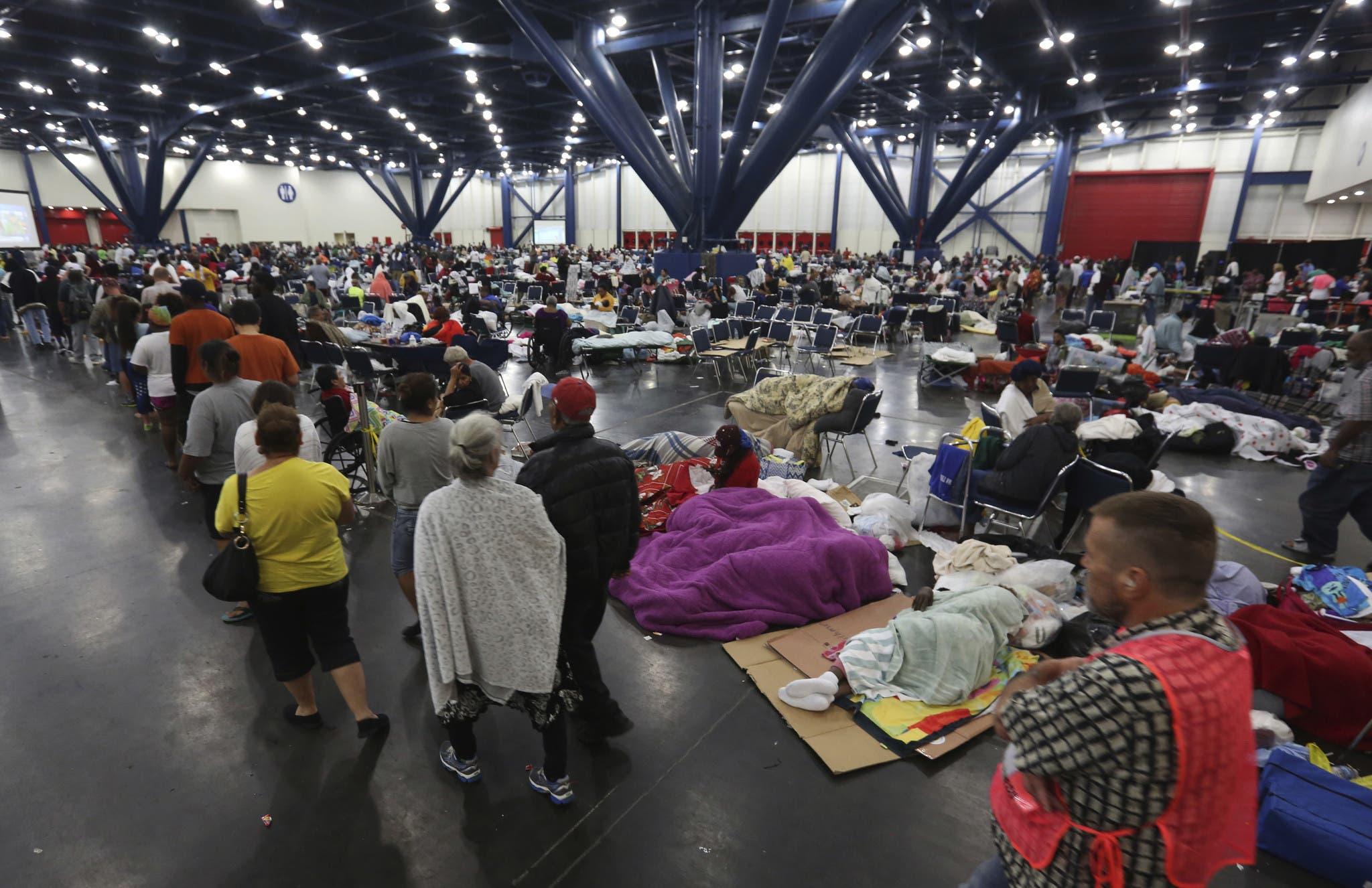 Se inunda refugio para afectados por Harvey en Texas
