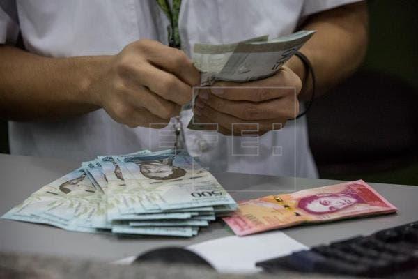 La escasez de efectivo en Venezuela deja a bancos con pocos o ningún billete