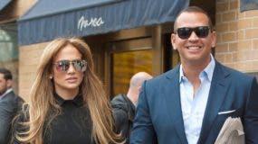 Jennifer López y Alex Rodríguez compraron el apartamento de unos 370 metros cuadrados por unos 15 millones de dólares en marzo del año pasado.