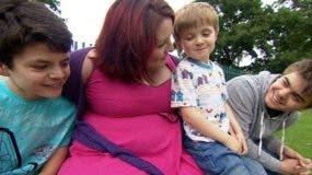 Laura Linkson asegura que los dolores que padeció debido al dispositivo de esterilización Essure eran tan intensos que le impedían atender a sus hijos.
