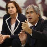 Rosa Elcarte, representante de Unicef en el país, y Eduardo Gallardo, especialista en protección infantil, durante el Almuerzo.