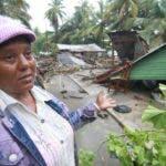 Altagracia Mercedes Santana    deberá buscar dónde pasar los próximos días, luego de que su vivienda fuera destruida  por los vientos del huracán Irma.