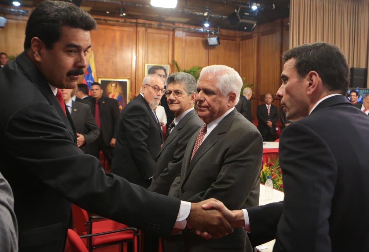 Oposición venezolana fija pautas para iniciar diálogo