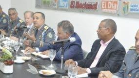 Altos mandos acompañaron al director policial en  el Almuerzo  del Grupo de Comunicaciones Corripio, en el edificio que alberga los periódicos Hoy, El Nacional y EL DÍA.