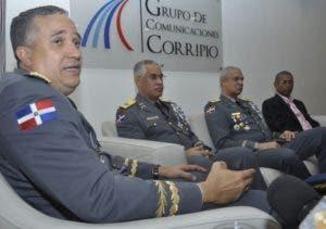 Bautista Almonte hizo énfasis en el acercamiento con agentes.
