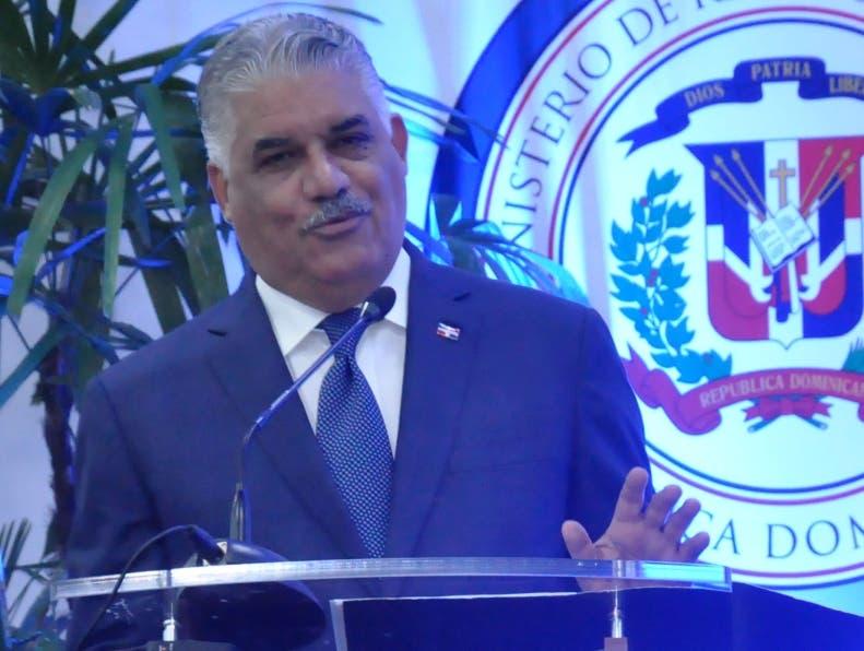 Miguel Vargas enfatizó que la liberación de los detenidos es uno de los puntos tratados en la negociación.