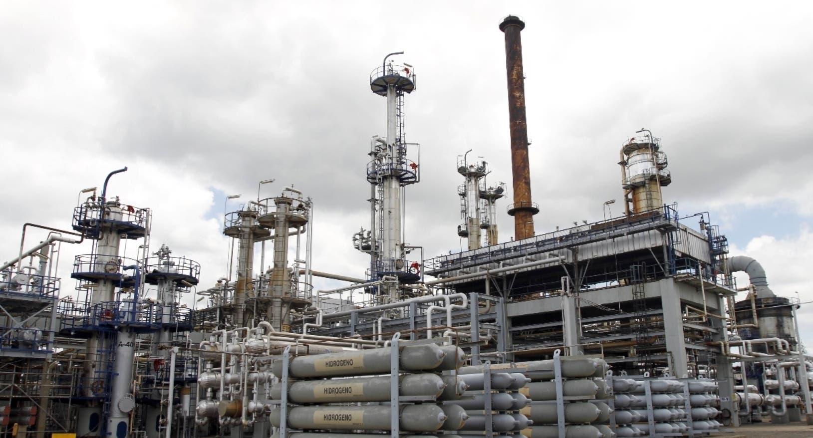Refinería despacha los combustibles