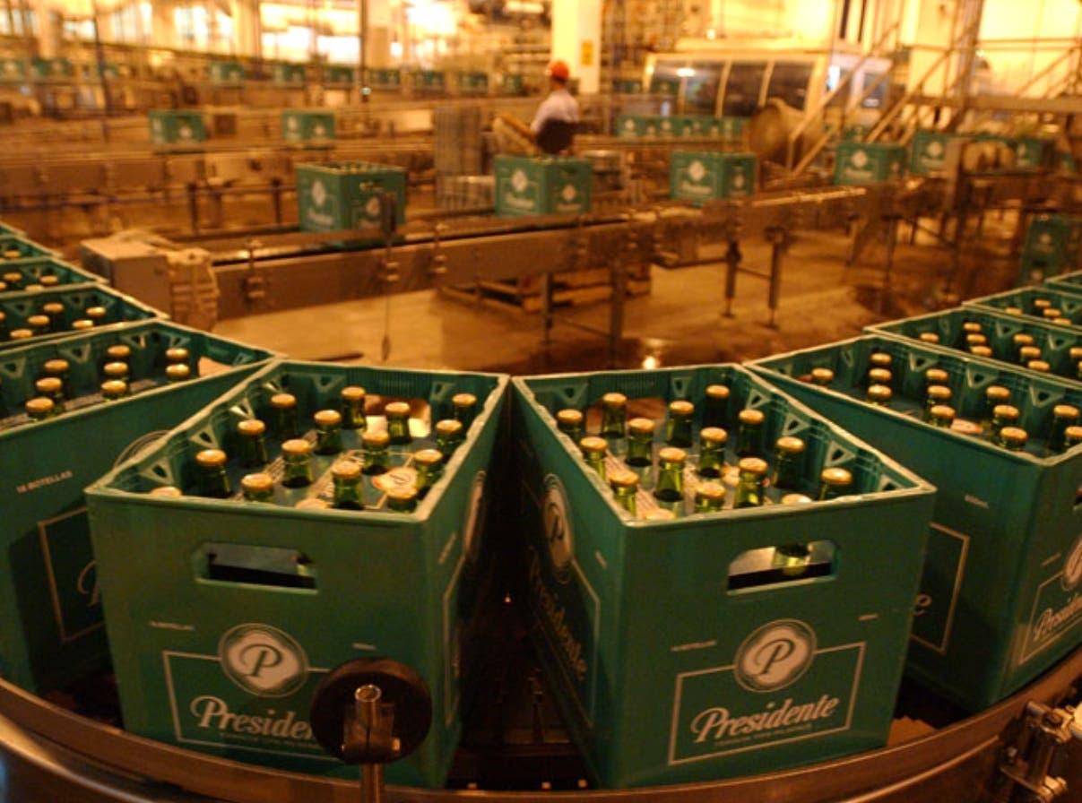 Lucha por mercado de cervezas a tribunales
