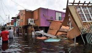 Las potentes tormentas Irma y María   dejaron a la mayor parte de los habitantes de la isla en estado de indefensión.