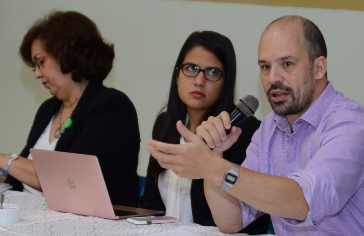 Especialistas que presentaron propuestas sobre el sistema.