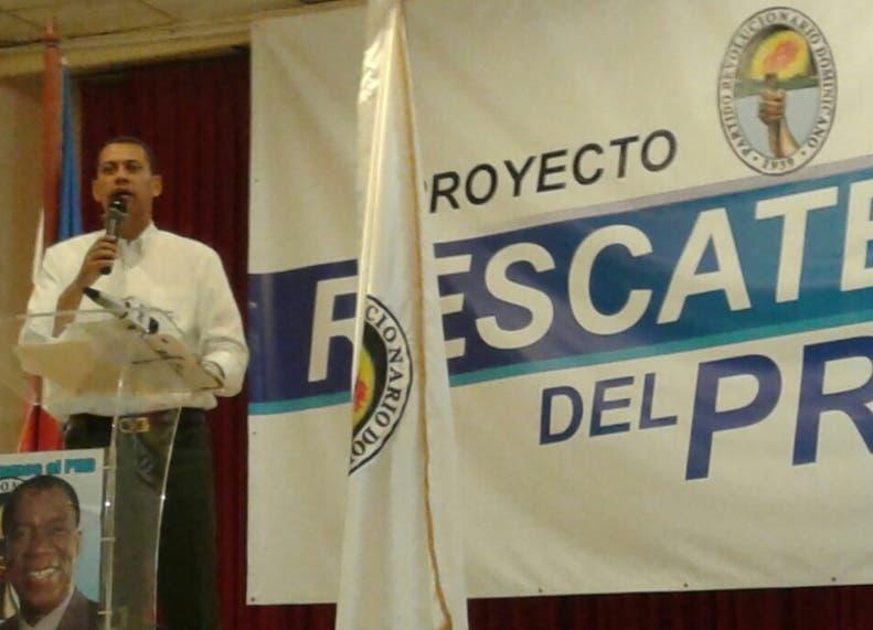 Grupo dice Vargas debe dejar el PRD
