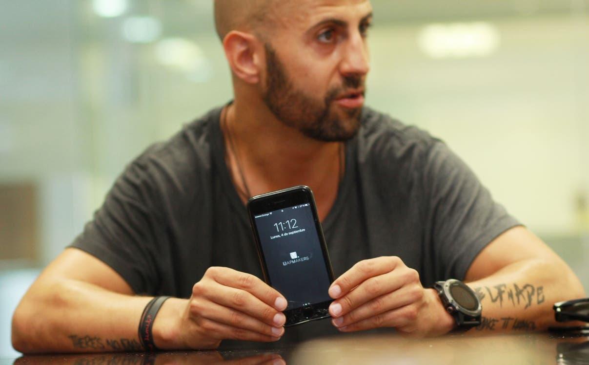García enfatizó que utiliza su smartphone solo como instrumento de negocios.