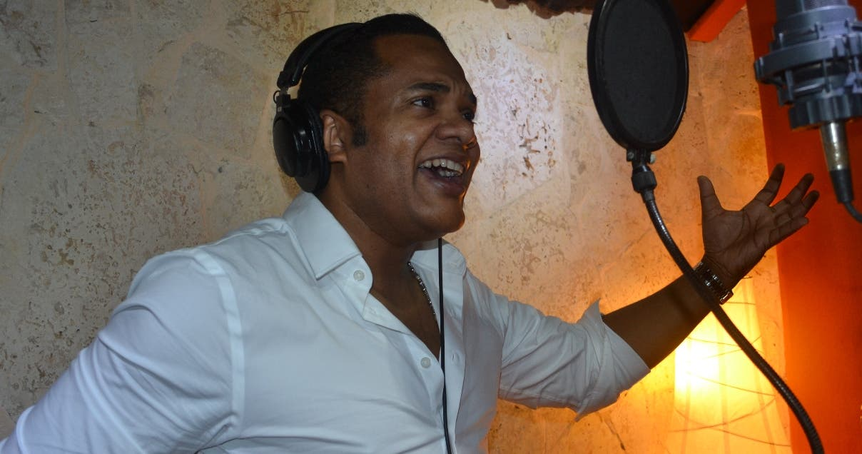 Alex Matos grabó  parte de la  bachata en apoyo a este proyecto.