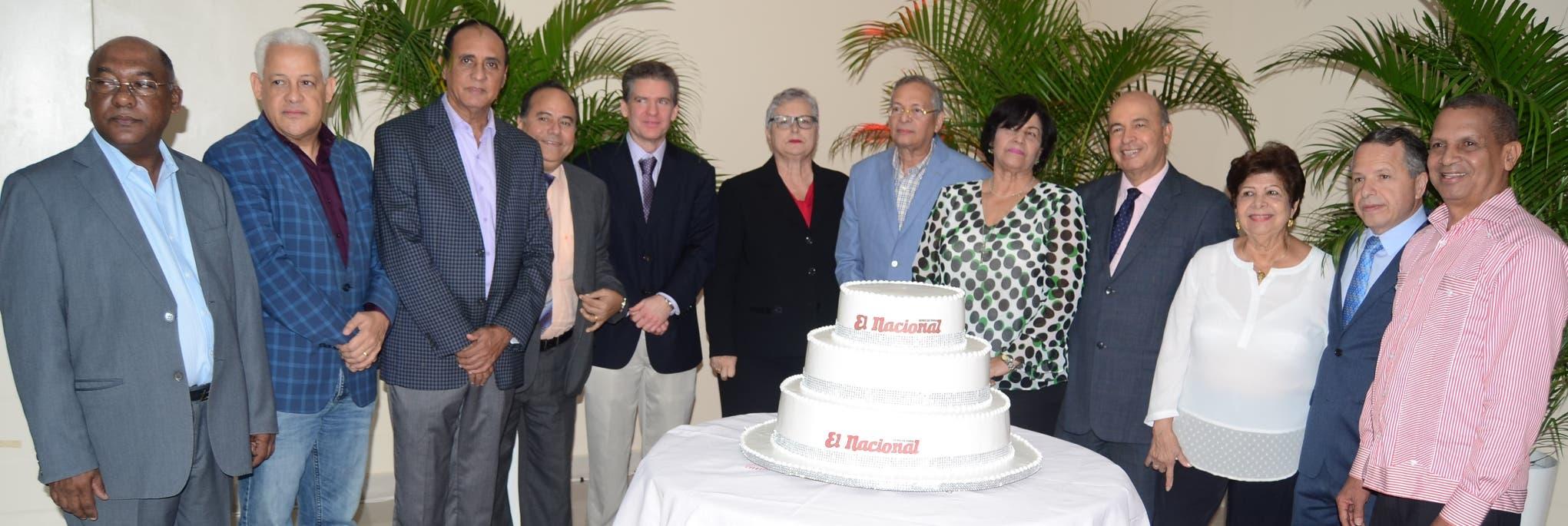 La celebración estuvo encabezada por los principales ejecutivos de prensa y de  administración del rotativo que circula  en horas de la tarde desde el año 1966.