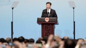 Xi Jinping levanta un discurso a favor de la globalización.