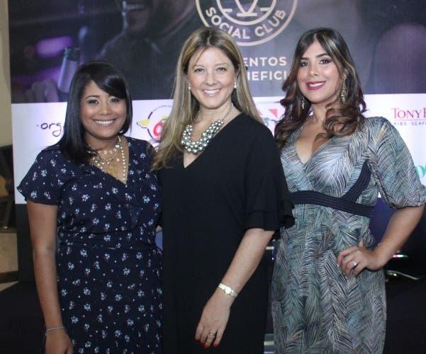 Carolina Fernández, Patricia Ramela y Karla Hernández.