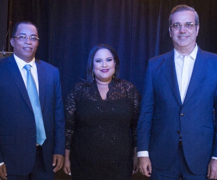 Freddy Correa, Mabel Peña  y Luis Abinader