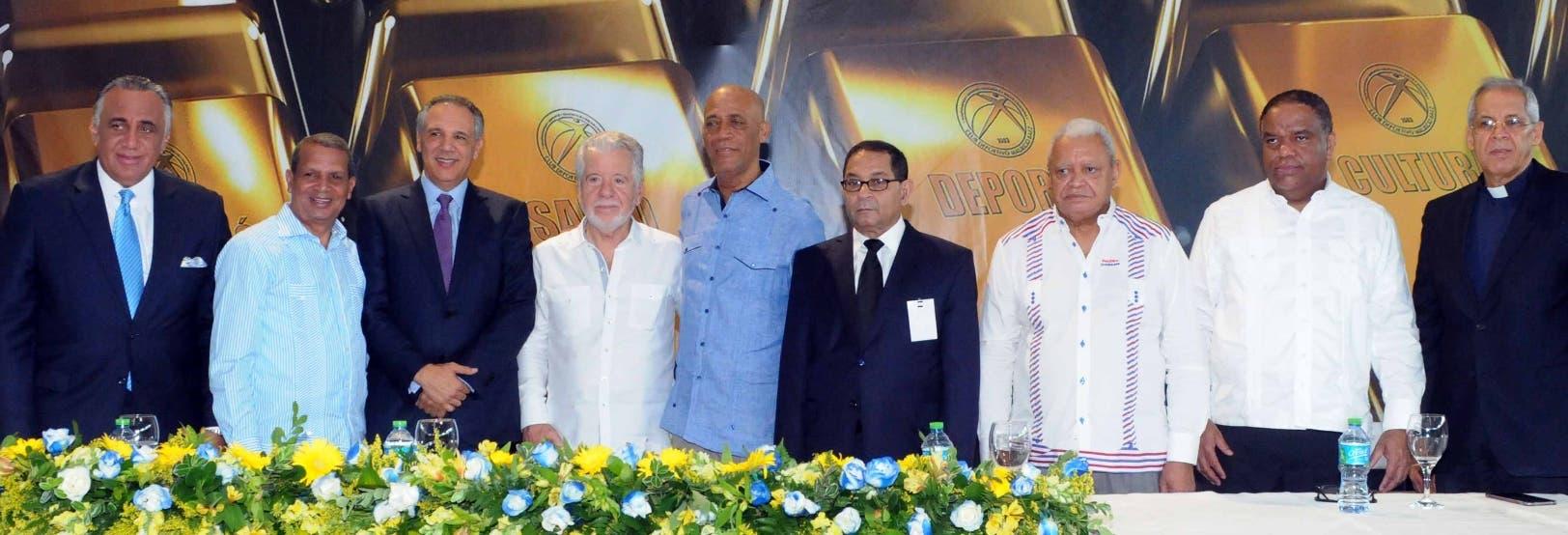 Luisín Mejía, Leo Corporán, José Peralta, Franklin Báez Brugal, José Domínguez Mariano Germán, Nelly Doñé, Danilo Díaz y  JoséPastor.