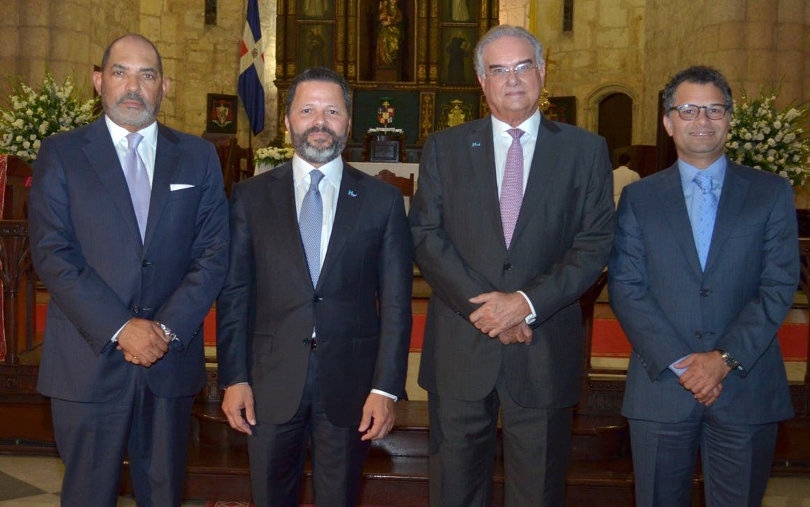 José Zapata, Eduardo A. Cruz, Gabriel José Roig y Alberto Cruz.