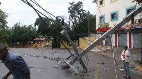 El servicio energético fue afectado por los fuertes vientos que afectaron María Trinidad Sánchez.
