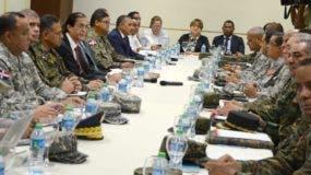 El ministro de la Presidencia, Gustavo Montalvo, se reunió con miembros de los organismos de emergencias para establecer acciones.