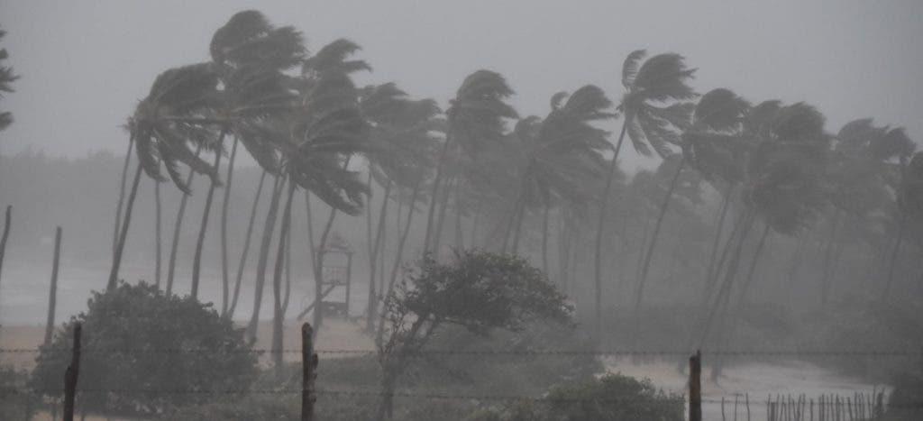 En la región Este, principalmente en la provincia La Altagracia, se registraron fuertes vientos y lluvias por el paso del huracán María.
