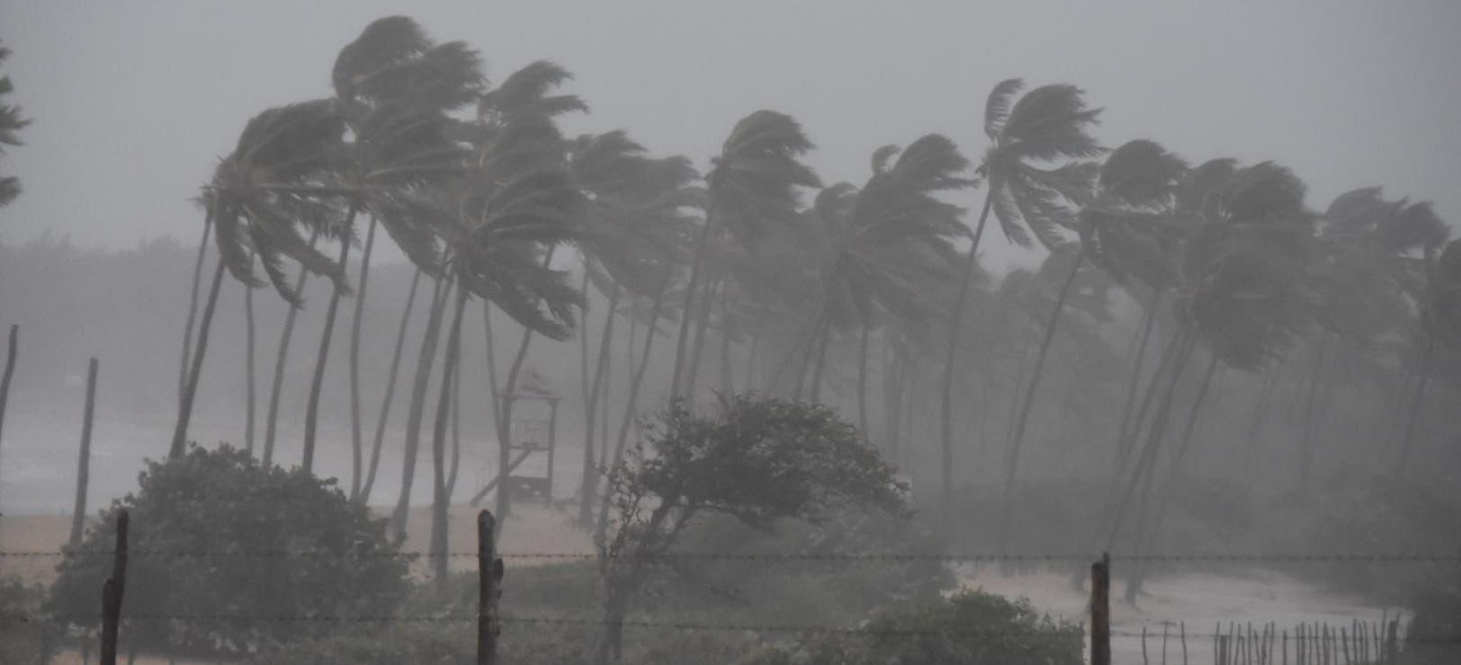 Fuertes vientos y lluvias en República Dominicana por huracán María