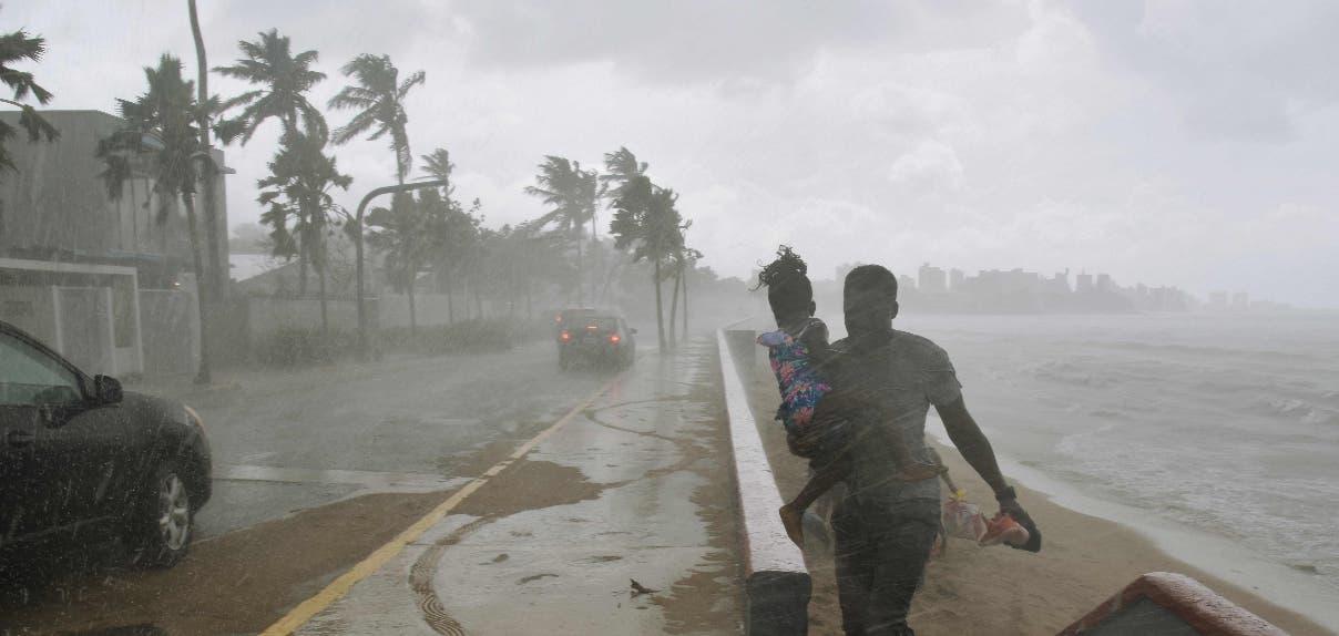 En Puerto Rico se comenzaron a sentir los vientos del huracán María desde la tarde de este lunes.