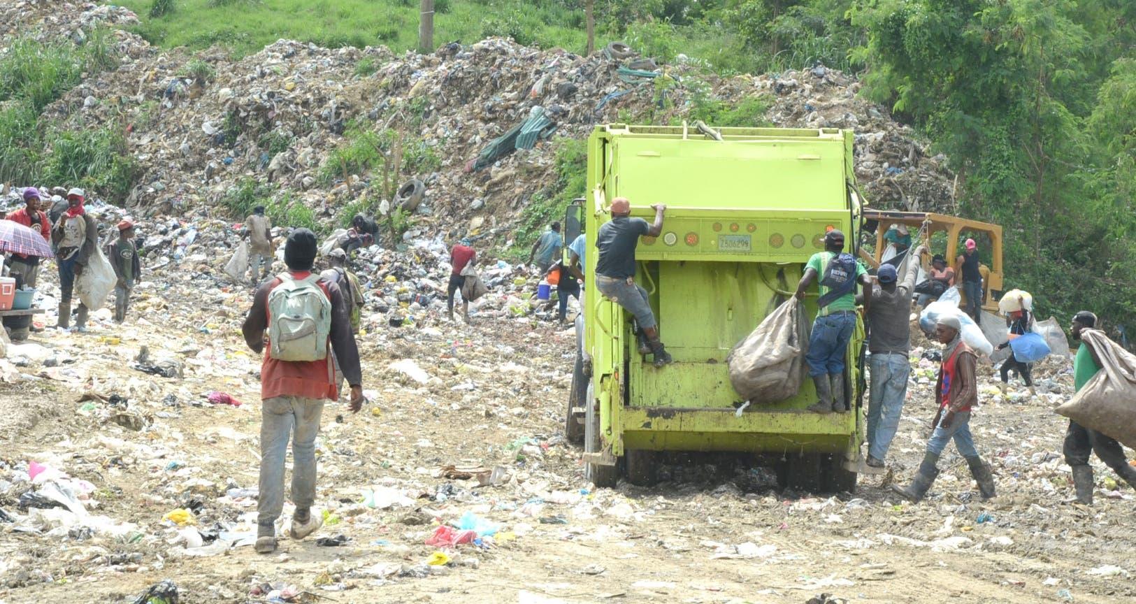 Operaciones en el vertedero se fueron normalizando tras la llegada de camioneros a las instalaciones, luego sentencia del tribunal.