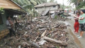 El viento y las lluvias   han dejado daños en varios lugares.