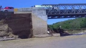 al-punto-del-colapso-puente-sobre-el-rio-bajabonico-ii-1