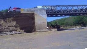 al-punto-del-colapso-puente-sobre-el-rio-bajabonico-ii