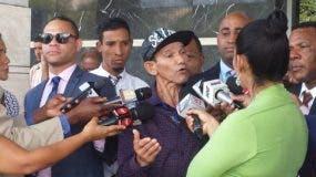 Arcadio Rodríguez, padre de uno de los jóvenes sexualmente abusado por exsacerdote Alberto Gil en la comunidad Juncalito, Santiago.
