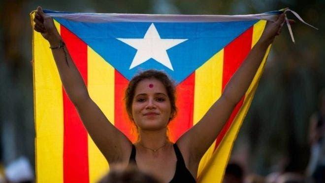 La crisis catalana provocó una brecha social que se plasmó en las calles de Barcelona.