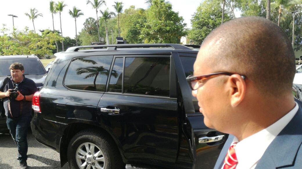 El canciller Miguel Vargas y José Luis Rodríguez Zapatero abandonaron el hotel Jaragua luego de la reunión con representantes del gobierno de Maduro.