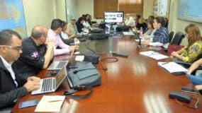 El COE-Salud se mantiene en reunión permanente con el objetivo de mitigar los efectos que podrían surgir luego del paso del huracán María por territorio Dominicano.