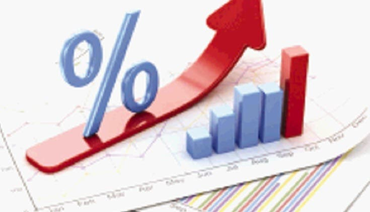 El ministro de Hacienda dice trabajan para disminuir el déficit.