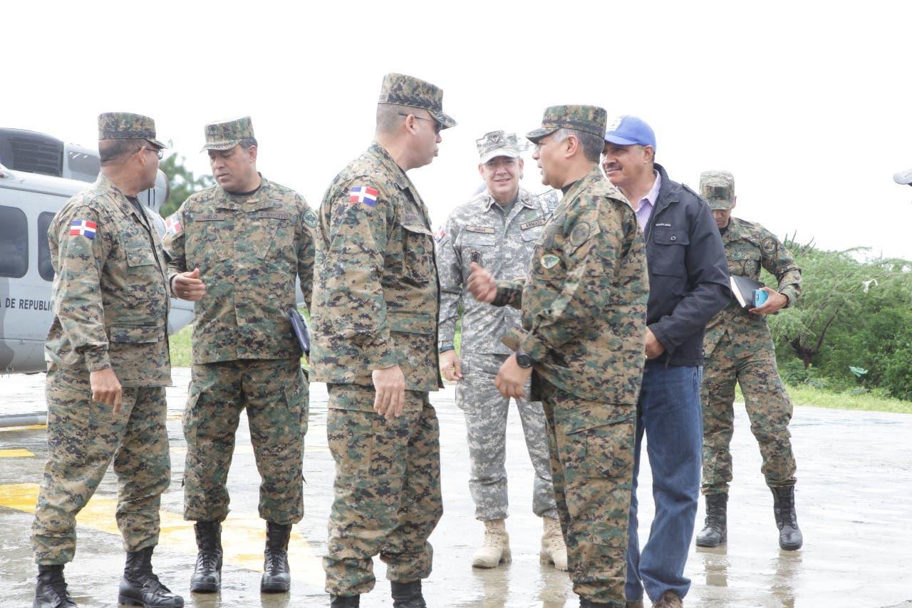 Ministerio de Defensa acuartela los 53,000 miembros de las Fuerzas Armadas por Irma
