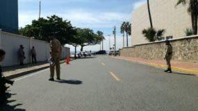 El presidente Danilo Medina llegó a la Cnacillería a las 9:25 de la mañana.