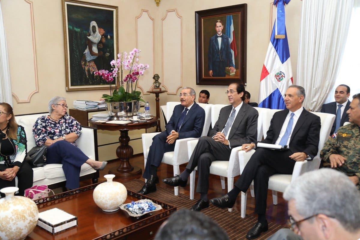 El presidente Danilo Medina se reunió hoy otra vez  con los miembros del Comité Nacional de Emergencia para dar seguimiento.